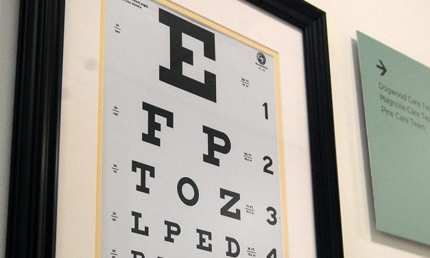 Subcommittee advances bill reinstating eye exams for license renewals