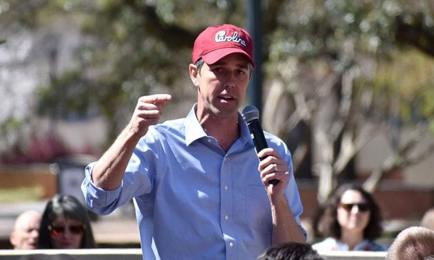 "At USC, a ""bet on Beto"" as the presidential candidate draws a crowd"