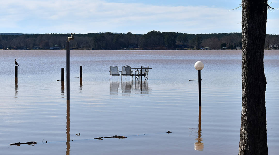 DNR officials examine flooded Lake Wateree homes
