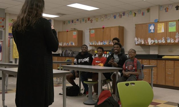 Gamecock athletes give guidance to middle school students