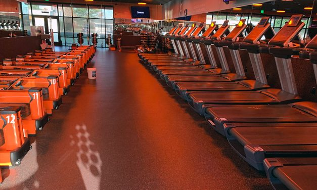 Gyms close physical doors, open virtual ones