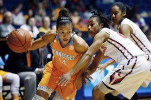 Andraya Carter playing for the Vols